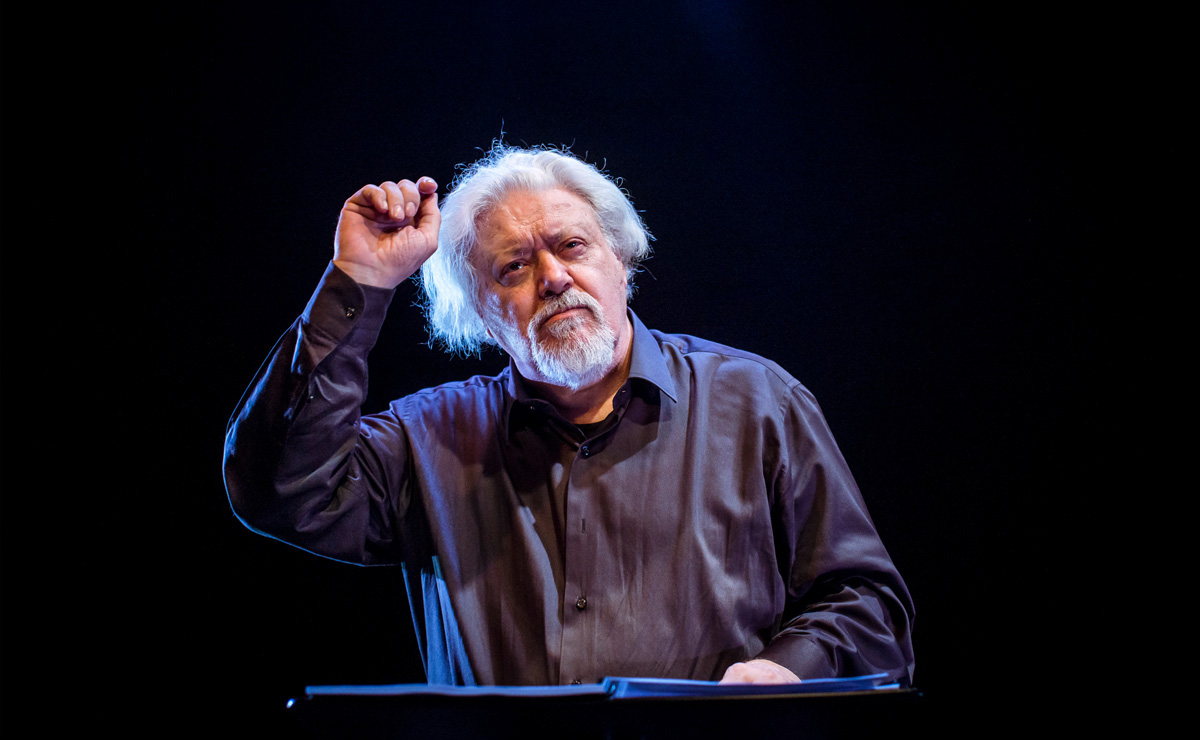 03-maestro-fellini-teatre-akademia